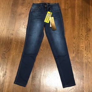 1822 High Rise Denim Jeans